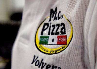 La polo dello staff con il logo Ma Che Pizza